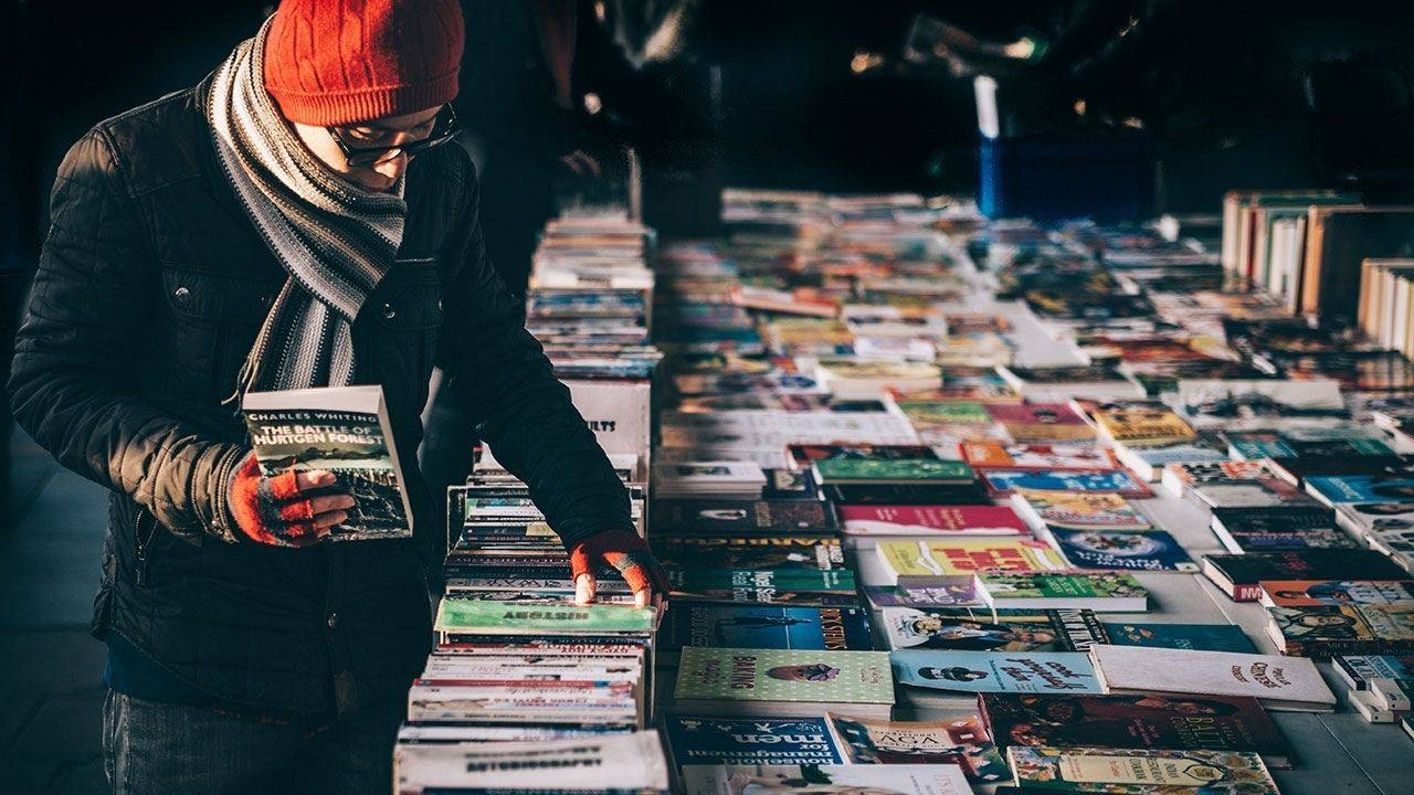 5-Street-side-book-markets-in-India