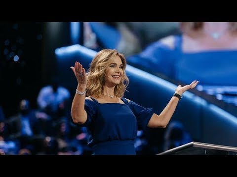 Victoria-Osteen---Keep-The-Right-Perspective