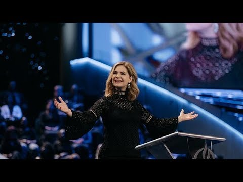 Victoria-Osteen---Finding-The-Extraordinary-In-The-Routine