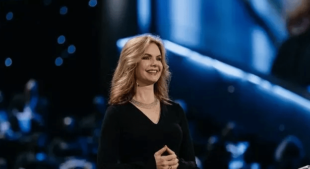 Victoria-Osteen---The-Purpose-of-Commitment
